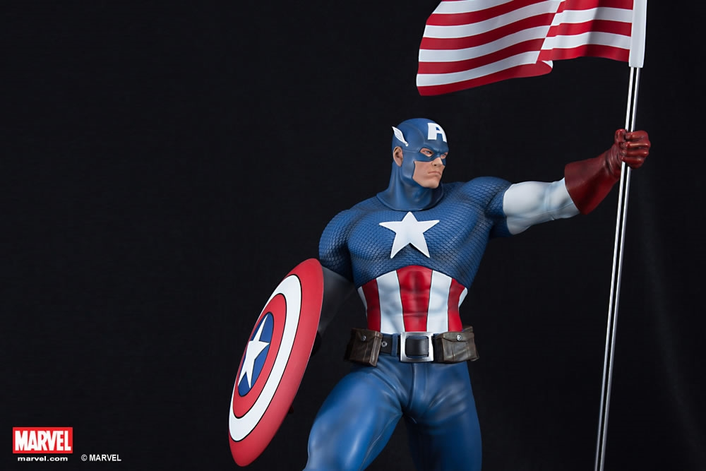 CAPTAIN AMERICA SENTINEL OF LIBERTY - Statua in Porcellana Scala 1:4 Altezza 50 cm MARVEL PREMIUM COLLECTIBLES