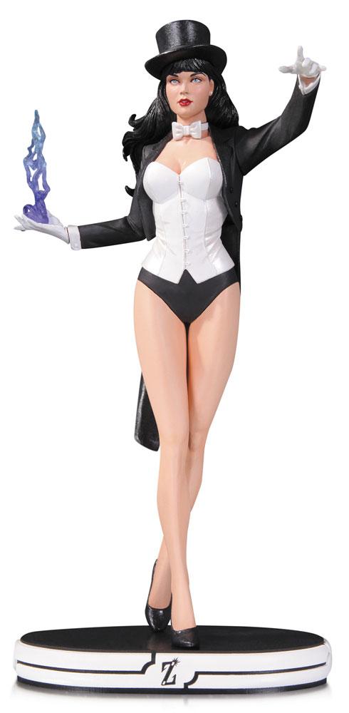 DC Comics Cover Girls Statue Zatanna 26 cm