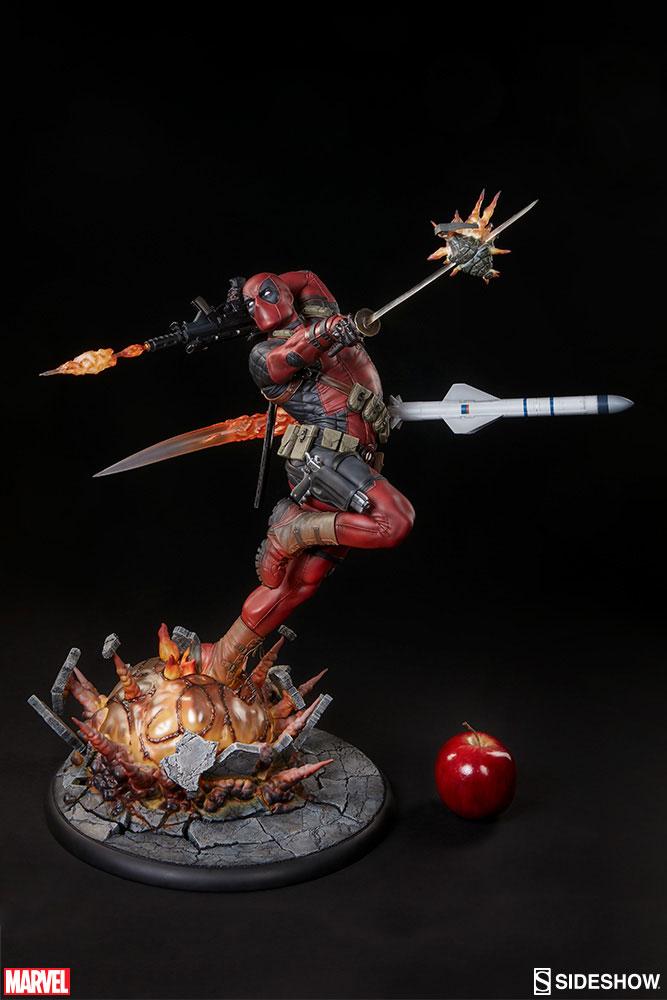 Marvel Comics Premium Format Figure Deadpool Heat-Seeker 61 cm