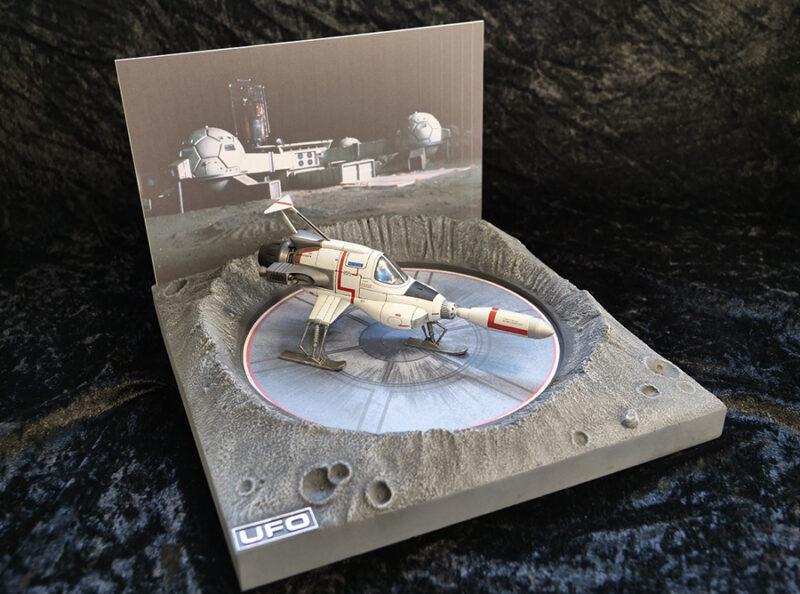 UFO INTERCEPTOR+LAUNCH DISPLAY DIECAST