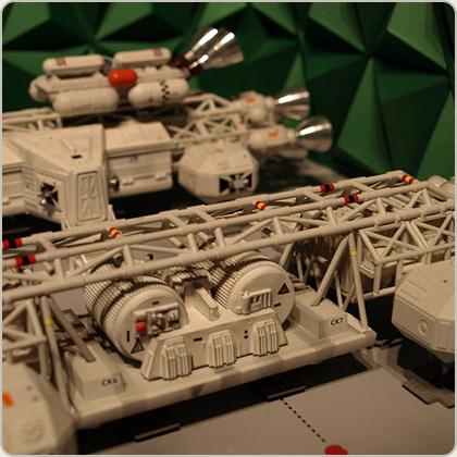 SPACE 1999 MOONBASE DOUBLE EAGLE HANGAR
