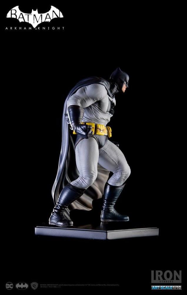 Batman Arkham Knight Statue 1/10 Batman DLC Series Dark Knight (Frank Miller) 18 cm