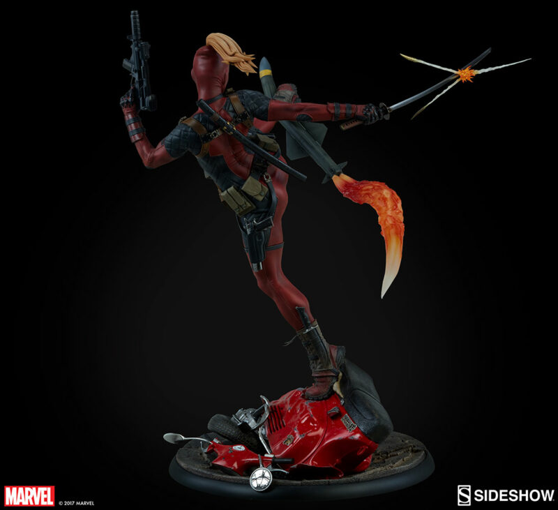 Marvel Comics Premium Format Figure Lady Deadpool 56 cm