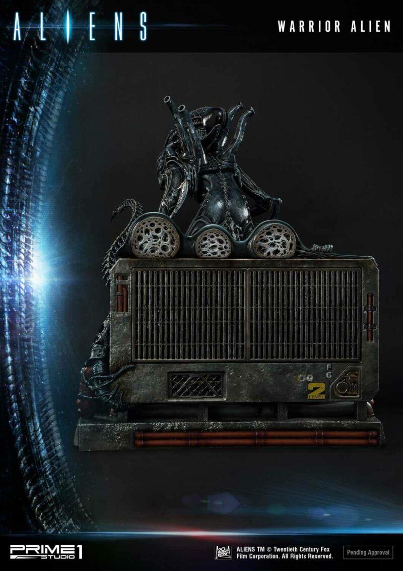 Aliens Premium Masterline Series Statue Warrior Alien 67 cm