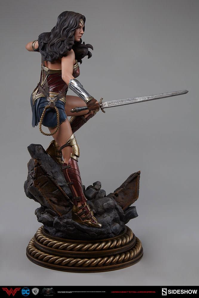 Batman v Superman Dawn of Justice Premium Format Figure Wonder Woman 50 cm