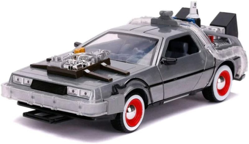 BACK TO THE FUTURE III: DELOREAN DIE CAST 1:24 WITH LIGHTS