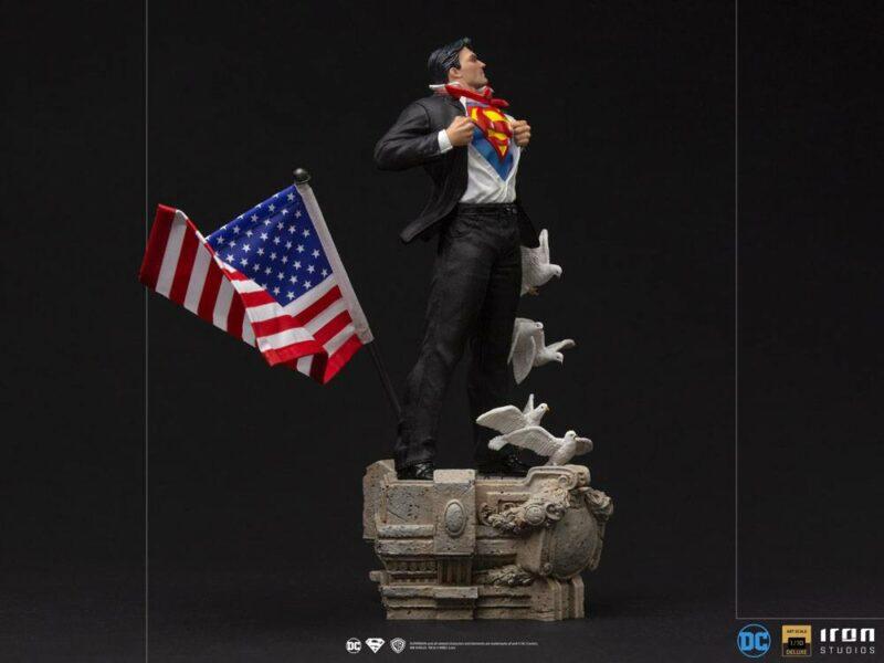 DC Comics Deluxe Art Scale Statue 1/10 Clark Kent 29 cm
