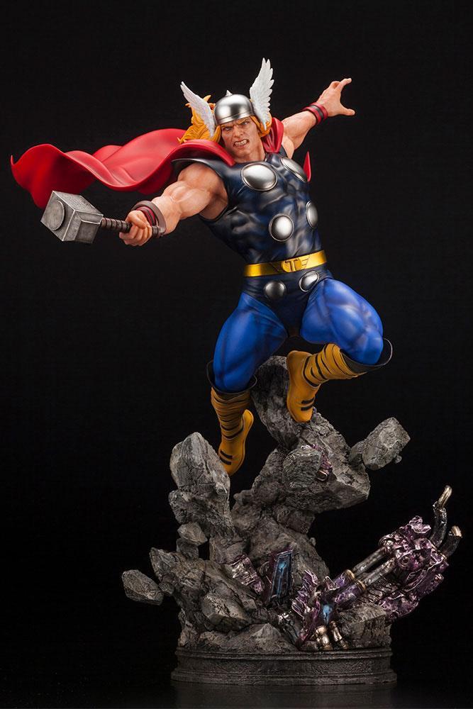 Marvel Avengers Fine Art Statue 1/6 Thor 44 cm