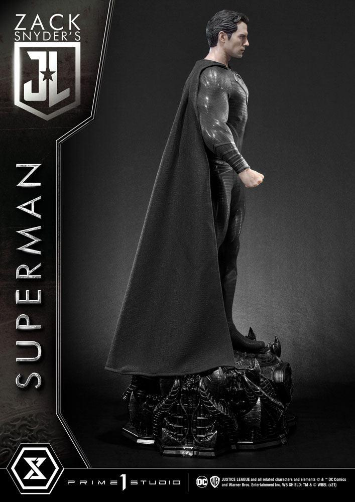 Justice League Statue Superman Black Suit Edition 84 cm