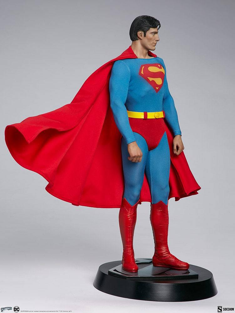 Superman Premium Format Figure Superman: The Movie 52 cm