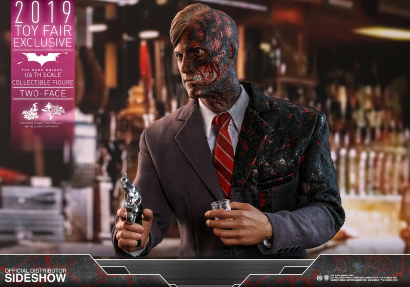 Batman The Dark Knight Movie Masterpiece Action Figure 1/6 Two-Face 2019 Toy Fair Exclusive 32 cm