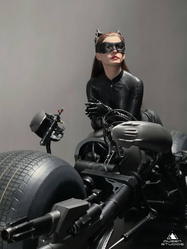 The Dark Knight Rises Statue 1/3 Catwoman 108 cm